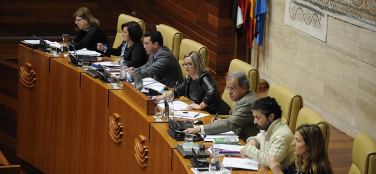 Asamblea de Extremadura garantizará la igualdad en los nombramientos y designaciones de la Cámara regional